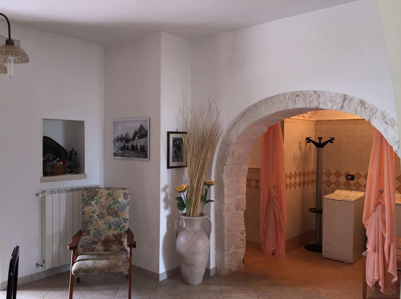 Sala interna e arco villa grassi for Archi interni casa ristrutturato